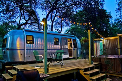 airbnb airstream 10 vintage airstreams available to rent on airbnb
