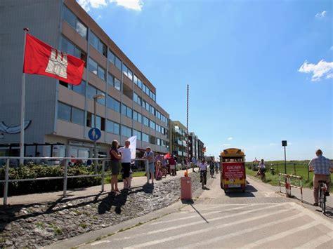 haus direkt am strand ferienwohnung am sahlenburger strand as19 cuxhaven