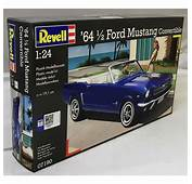 Revell 124 07190 64 1/2 Ford Mustang Convertible Model