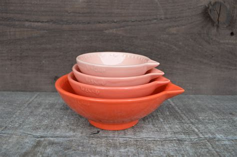 shades of coral nesting ceramic measuring cups ombre 1