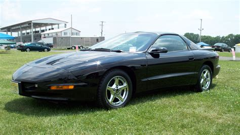 pontiac firebird black 1997 pontiac firebird black 200 interior and exterior