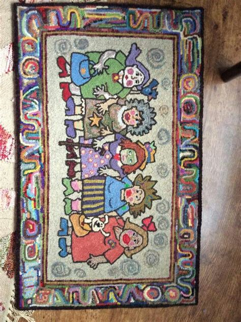 traditional rug hooking best 2730 traditional rug hooking images on diy and crafts