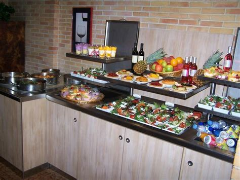 buffet pour les groupes maxi 30 personnes picture of