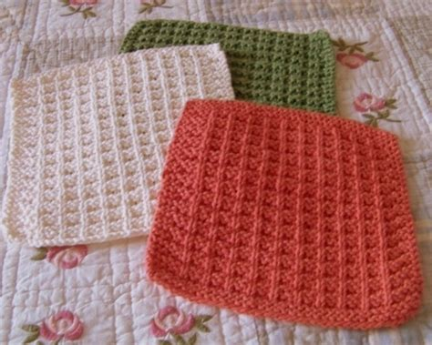 waffle knit dishcloth pattern en francais the knit dishcloth pattern collection every knitter needs