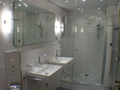 badgestaltung mit fliesen 2221 b 228 derstudio kresse bad und sanit 228 r hombrucher sv 09 72