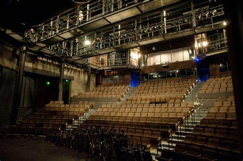 topfer theatre  zach scott