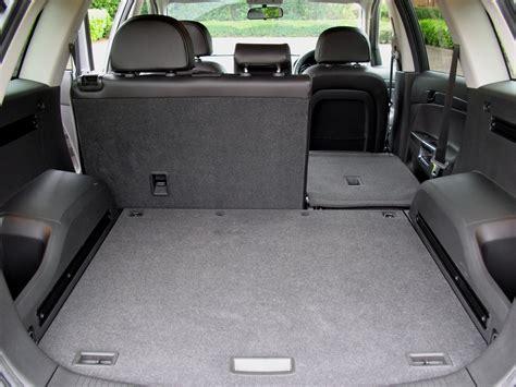 opel antara 2007 interior vauxhall antara station wagon review 2007 2015 parkers