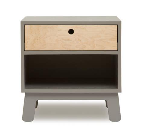 le table de nuit table de nuit sparrow gris oeuf nyc pour chambre enfant