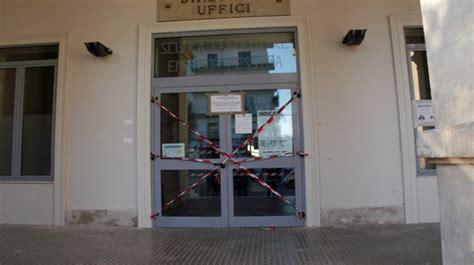 comune di ostuni ufficio tecnico crollo nella scuola cinque indagati tra tecnici