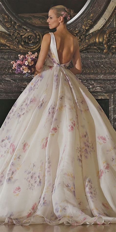 Wedding Gowns With Flowers by Best 25 Floral Wedding Dresses Ideas On