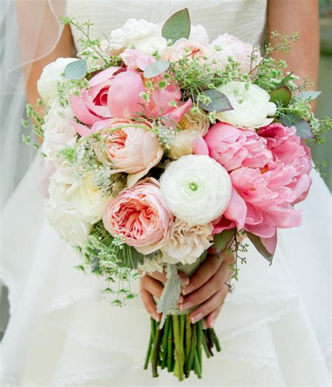 Get Inspired: 25 Pretty Spring Wedding Flower Ideas