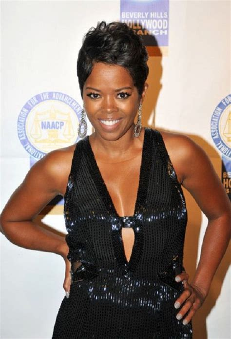 what type of flat iron does malinda williams use malinda williams short hair cuts hairstylegalleries com