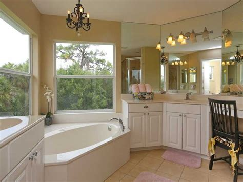 master bath sherwin williams kilim beige la maison kilim beige bath and house