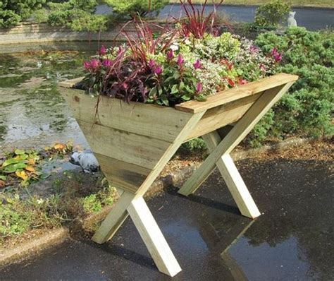 Wooden Vegetable Planters On Legs by Raised Beds And Planters Gardensite Co Uk