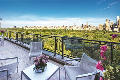 Duplex Building sting selling penthouse on central park west for 56m