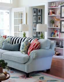 living rooms with blue couches best 20 light blue couches ideas on pinterest floral couch light blue sofa and navy couch