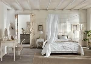 superba Letto Baldacchino Maison Du Monde #1: creme-romantic-bedroom-with-natural-essence.jpg