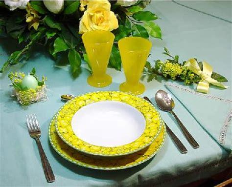 come si serve a tavola secondo il galateo ricevere ospiti secondo il galateo ideare casa