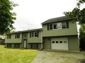 bi level house plans with attached garage bi level home plan 39197st 1st floor master suite
