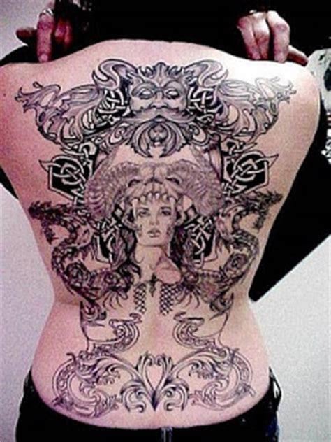 design tattoo di punggung foto dan gambar tatto di punggung berita online terbaru