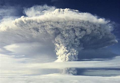 chile volcano  ash cloud  lightning tears  sky