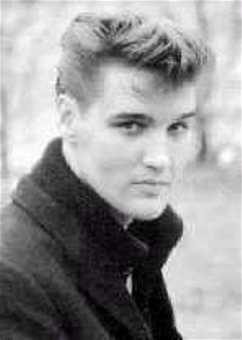 biography elvis presley elvis presley biography elvis young bw get free elvis