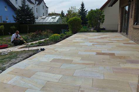 terrasse natursteinplatten garten und landschaftsbau mieth g 228 rten zum genie 223 en