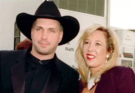 is garth brooks ex sandy mahl brooks still alive image gallery sandy mahl