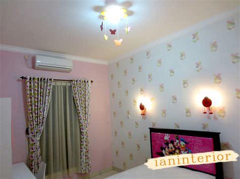 ianinterior wallpaper pink  kamar anak perempuan