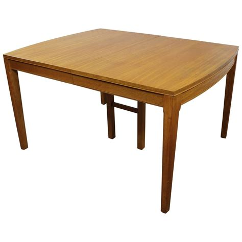 Vintage Modern Dining Table Vintage Mid Century Modern Mahogany Dining Table For Sale At 1stdibs