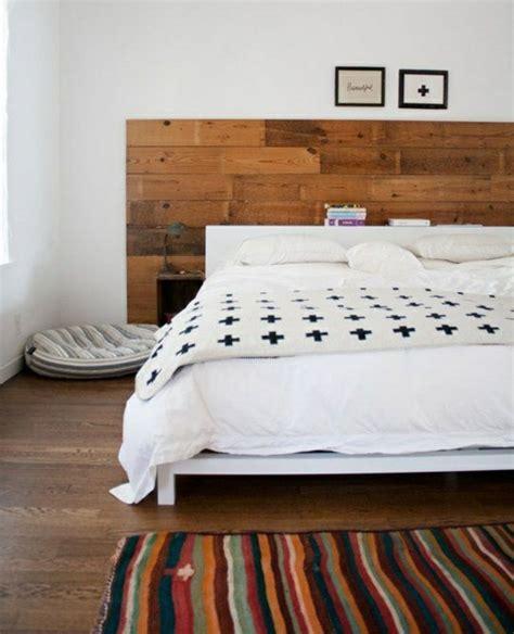 kopfteil bett holz moderne wanddeko aus holz im rustikalen stil