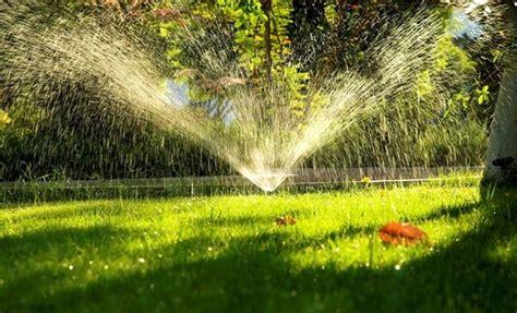 sistemi di irrigazione per giardini irrigazione giardini impianto irrigazione come