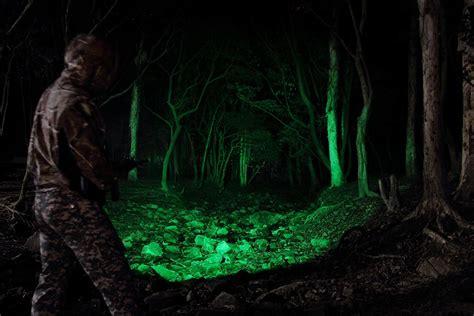 best hog hunting lights best predator hunting lights 2018 top 5 coyote hunting