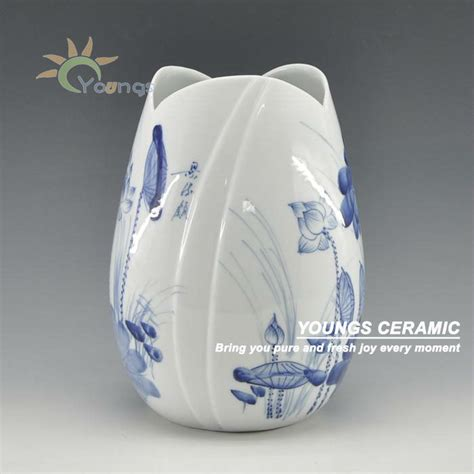 Ceramic Vases For Centerpieces by Painted Blue And White Ceramic Centerpieces