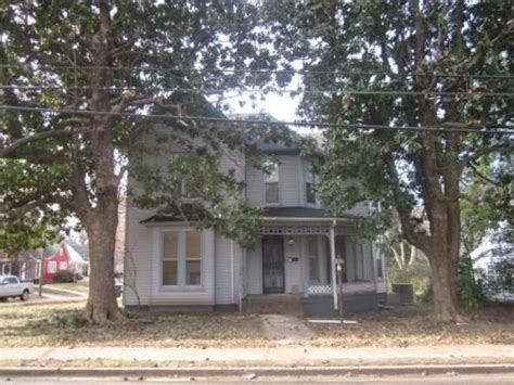 houses for rent in covington tn 625 s college street covington tn 38019 hotpads old houses pinterest