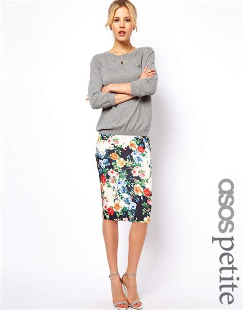 pencil skirt in floral print style grey