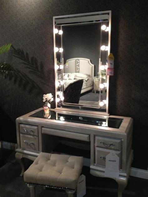 beleuchtung schminktisch schminktisch mit beleuchtung spiegel mit beleuchtung fuer