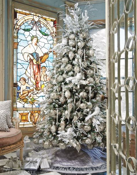 white and silver decorated tree 37 awesome silver and white tree decorating