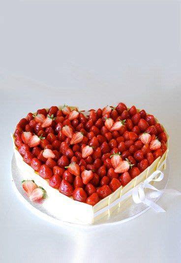 hochzeitstag torte bestellen erdbeer torte hochzeit pinterest hochzeitstorte