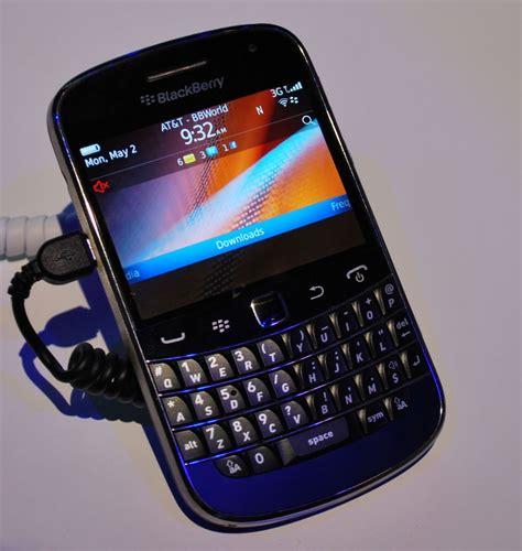 Blackberry Dakota 9900 Ori New blackberry bold touch 9900 closer look