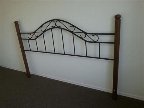cast iron bed frame queen queen size bed frame with wooden poles made in maylaysia