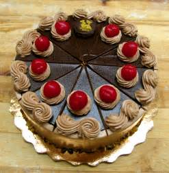 bakery cake bennison s bakery specialty tortes cakes