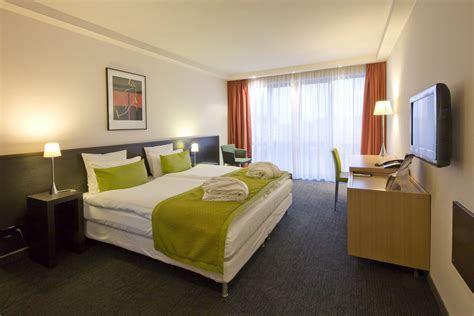 Chambre Hotel Contemporaine by Chambres Suites Chambre Contemporaine Hotel Colmar