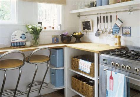 how to fit a desk in a small bedroom mesmo pequenas cozinhas podem ter espa 231 o para refei 231 245 es confira ideias cozinhas pequenas