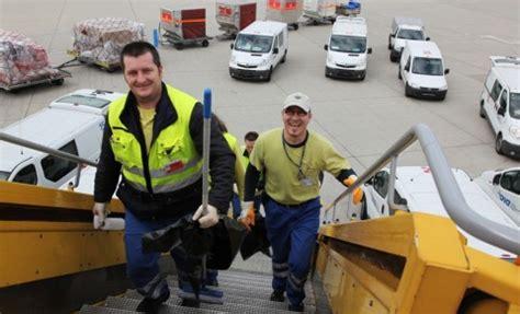 Aircraft Cabin Cleaning Description by Flughafen Wien Rhandling