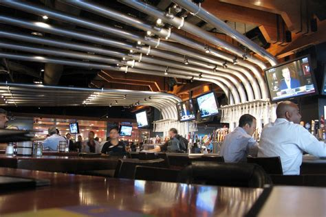 yard house los angeles yard house suds up austin with 130 beer taps eater austin