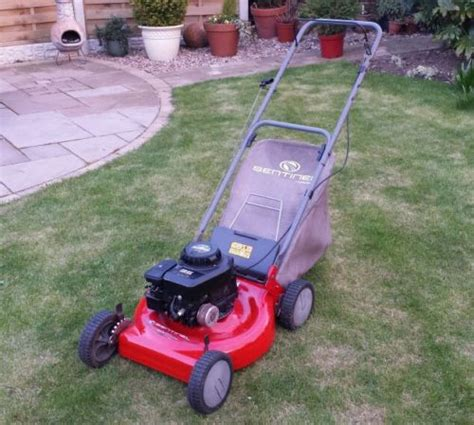 murray sentinel push mower with briggs and stratton engine