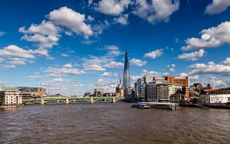 thames river cruise hop on hop off tickets river red rover all day travel pass and tower of london ticket