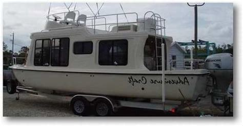 houseboat trailer see trailerable houseboats with details photos tips and faqs