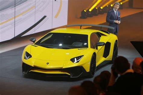 lamborghini aventador sv roadster price in india lamborghini aventador lp750 4 sv roadster confirmed autocar india